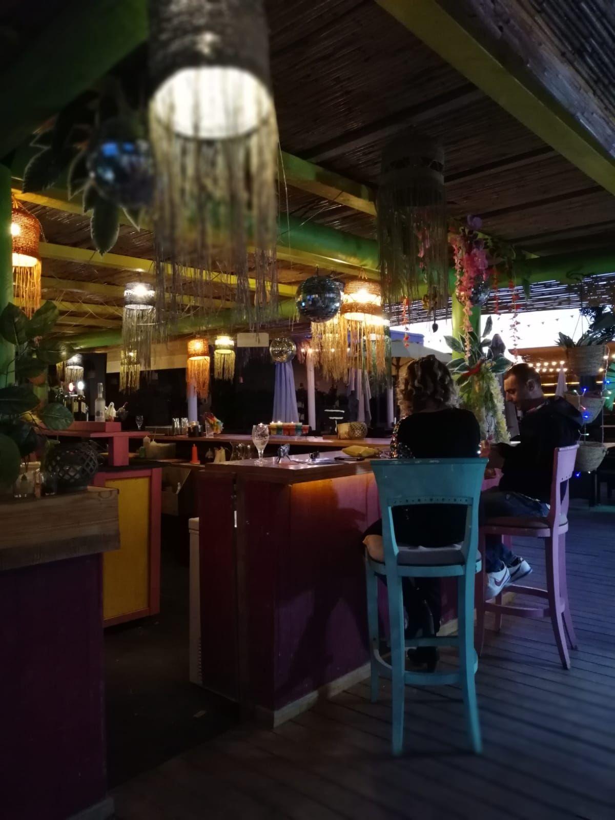 Restaurante y música en directo en Ibiza