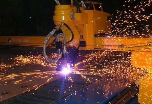 Corte: Servicios y maquinaria  de Calderería y Obras, S.L.