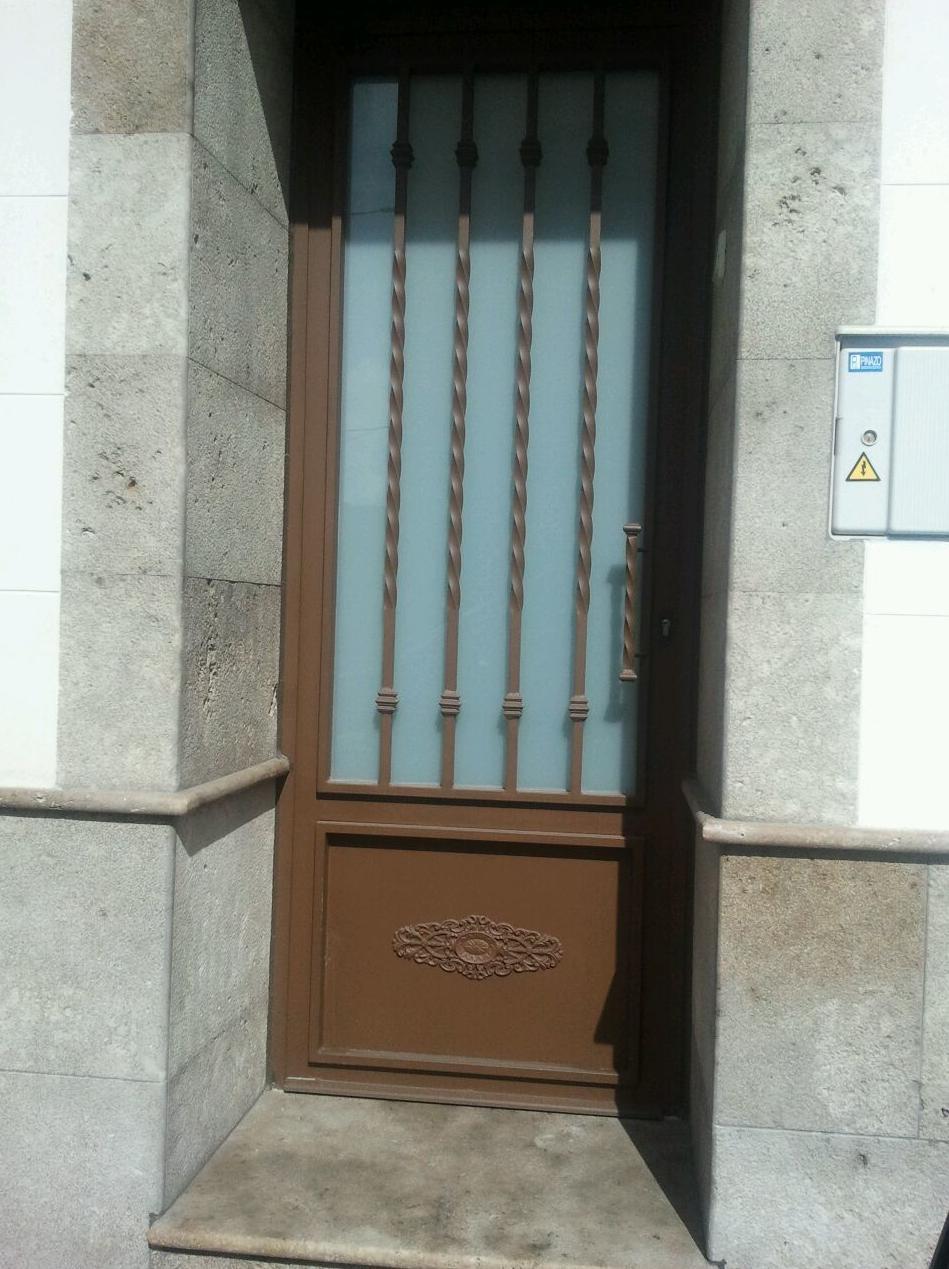 Puertas de portal a medida