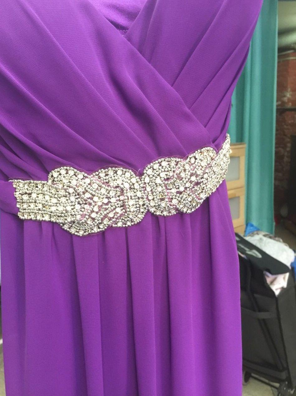 Limpieza de vestidos con pedrería: Servicios  de Tintorería Anubis