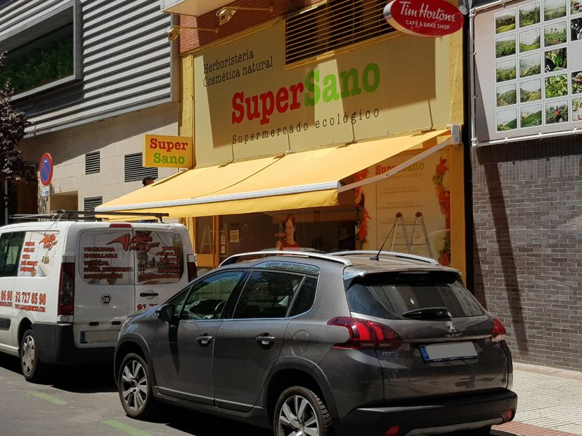 Instalación de toldo extensible en Madrid