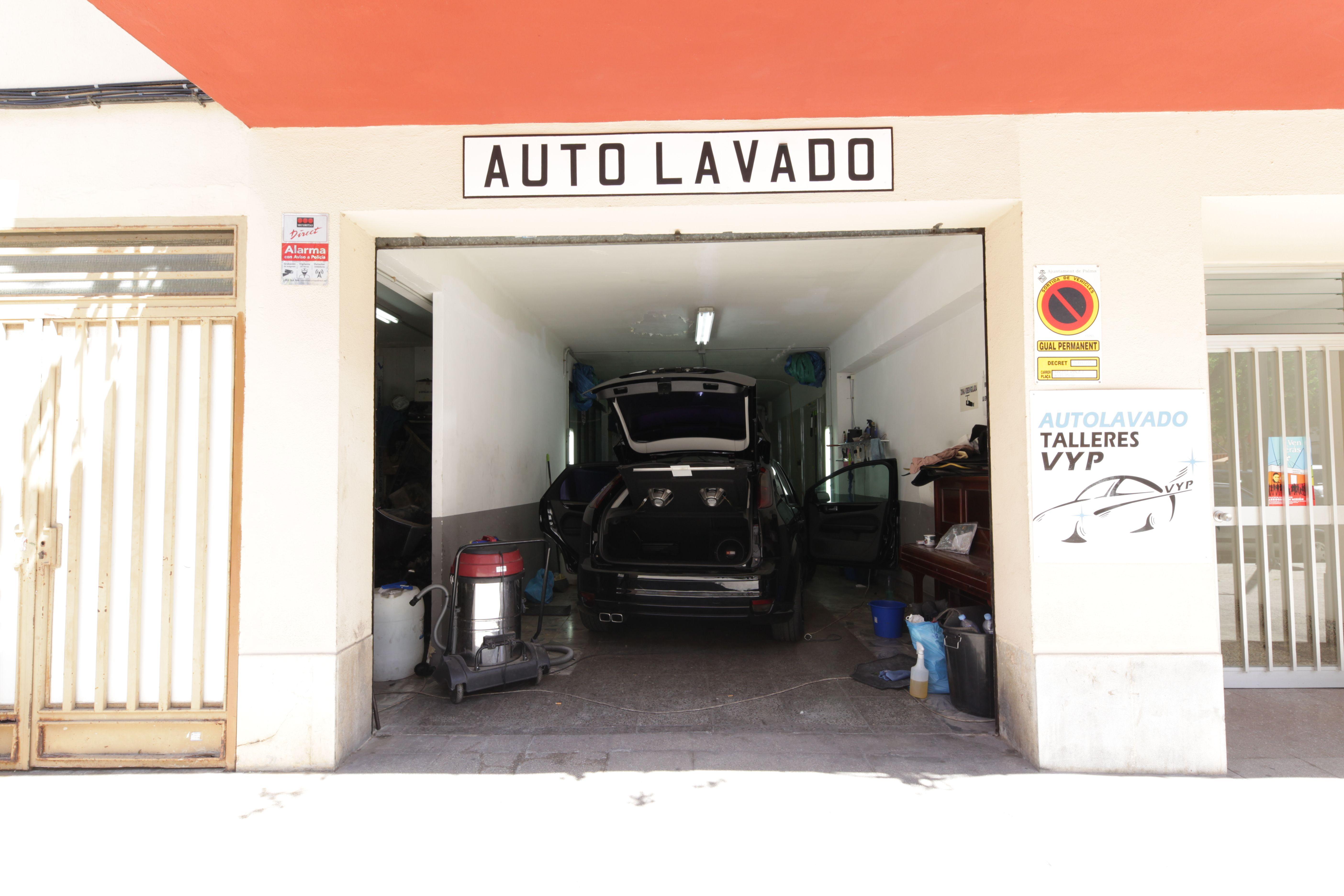 Lavamos los coches sin necesidad de emplear agua