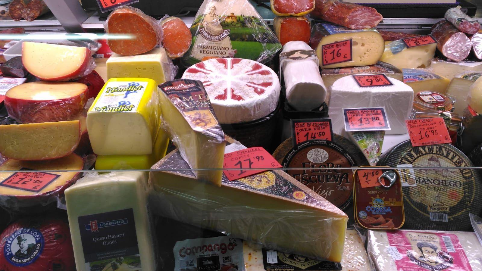 Venta de jamones y quesos en Elche