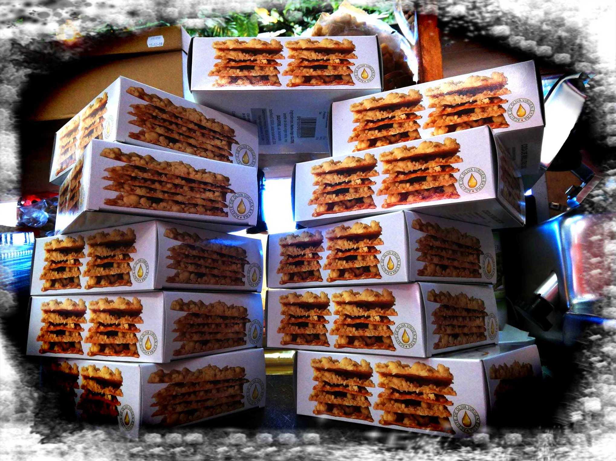 Foto 8 de Charcuterías en  | Comestibles y Salazones Paco y Mari