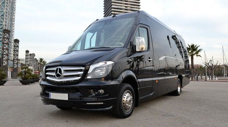 Nuestros vehículos: Mercedes Sprinter Combi (19 plazas)