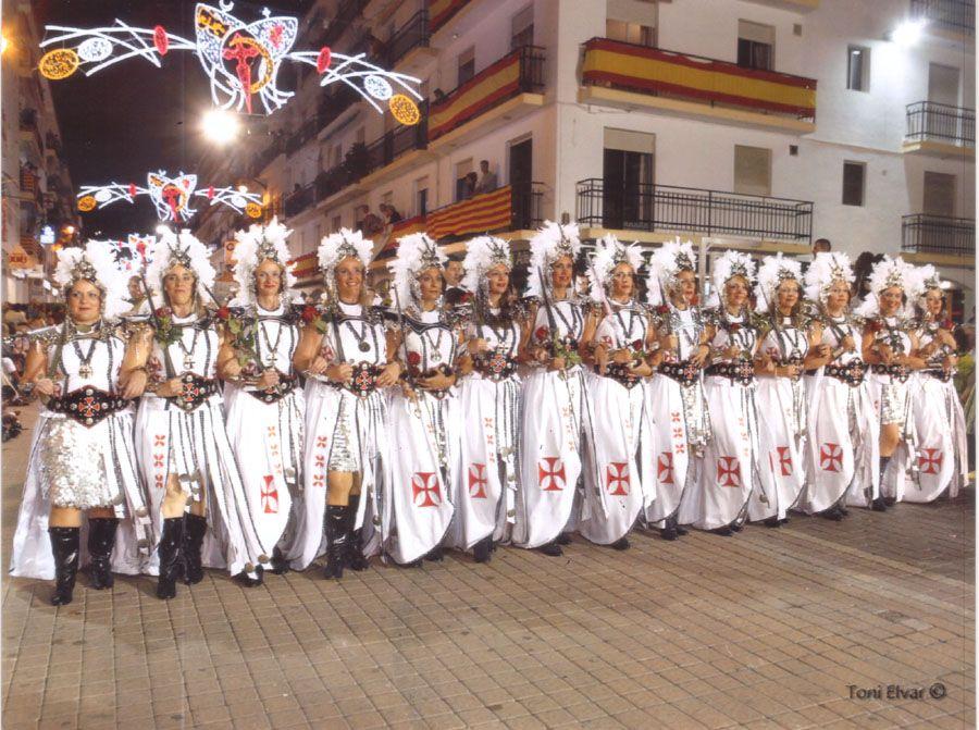 Trajes de moros y cristianos en Alicante