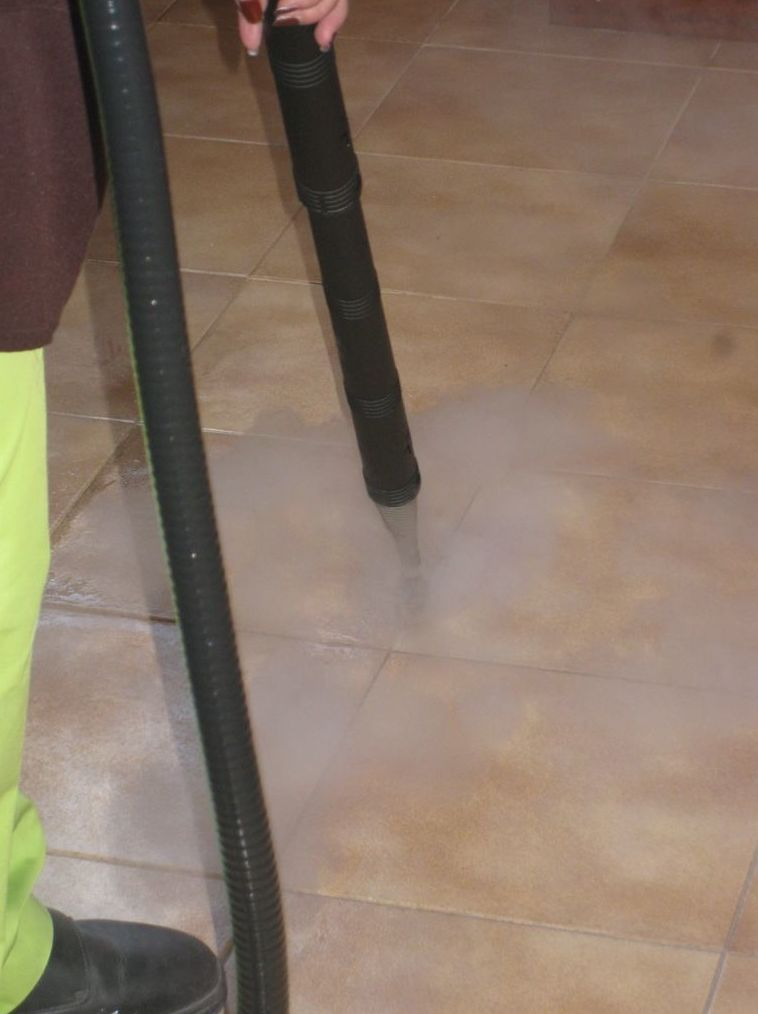 Foto 41 de Todo tipo de limpiezas en Mollet del Vallès | Neteja Activa