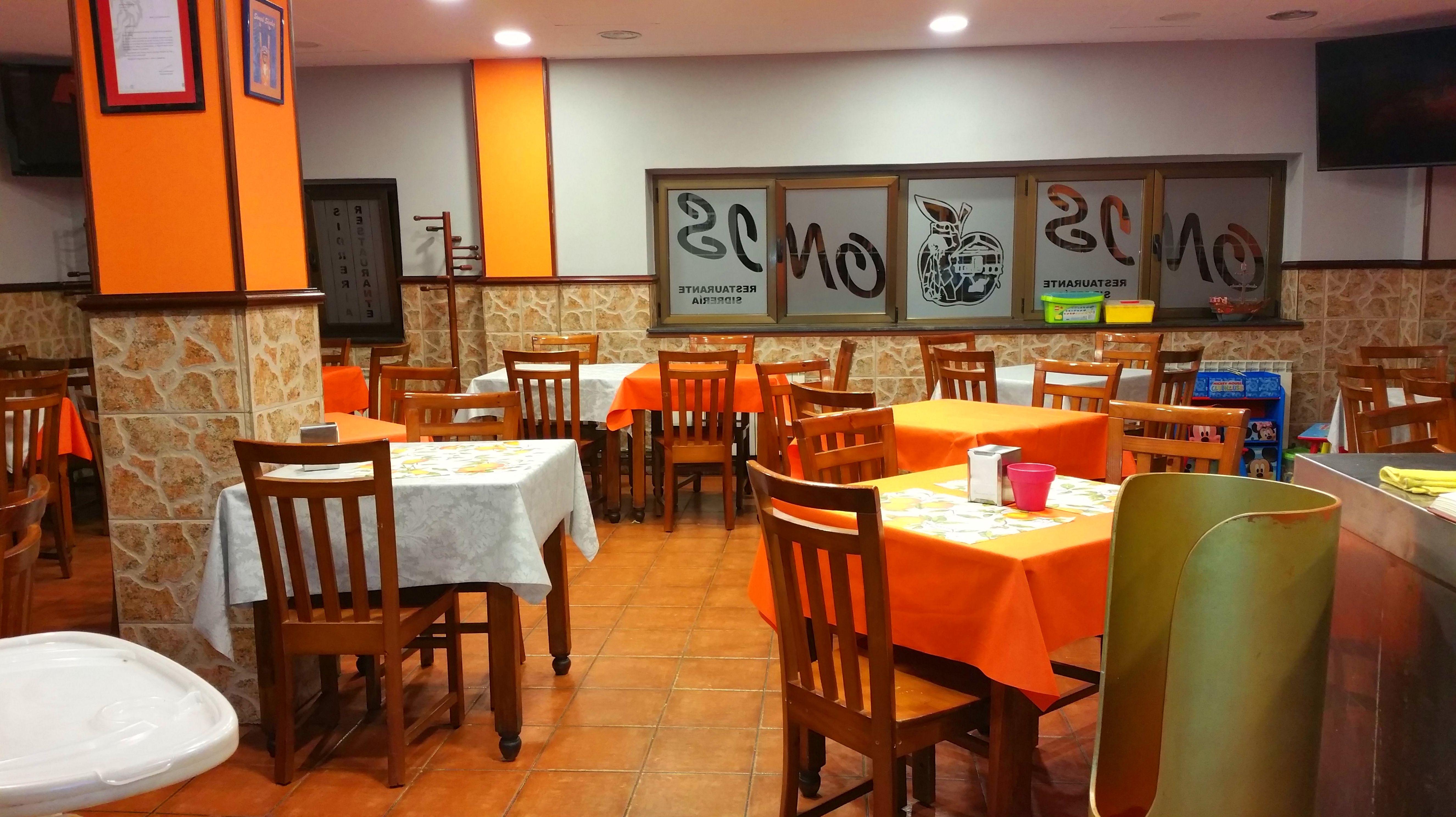 Foto 6 de Sidrería en Oviedo | Sidrería Onis