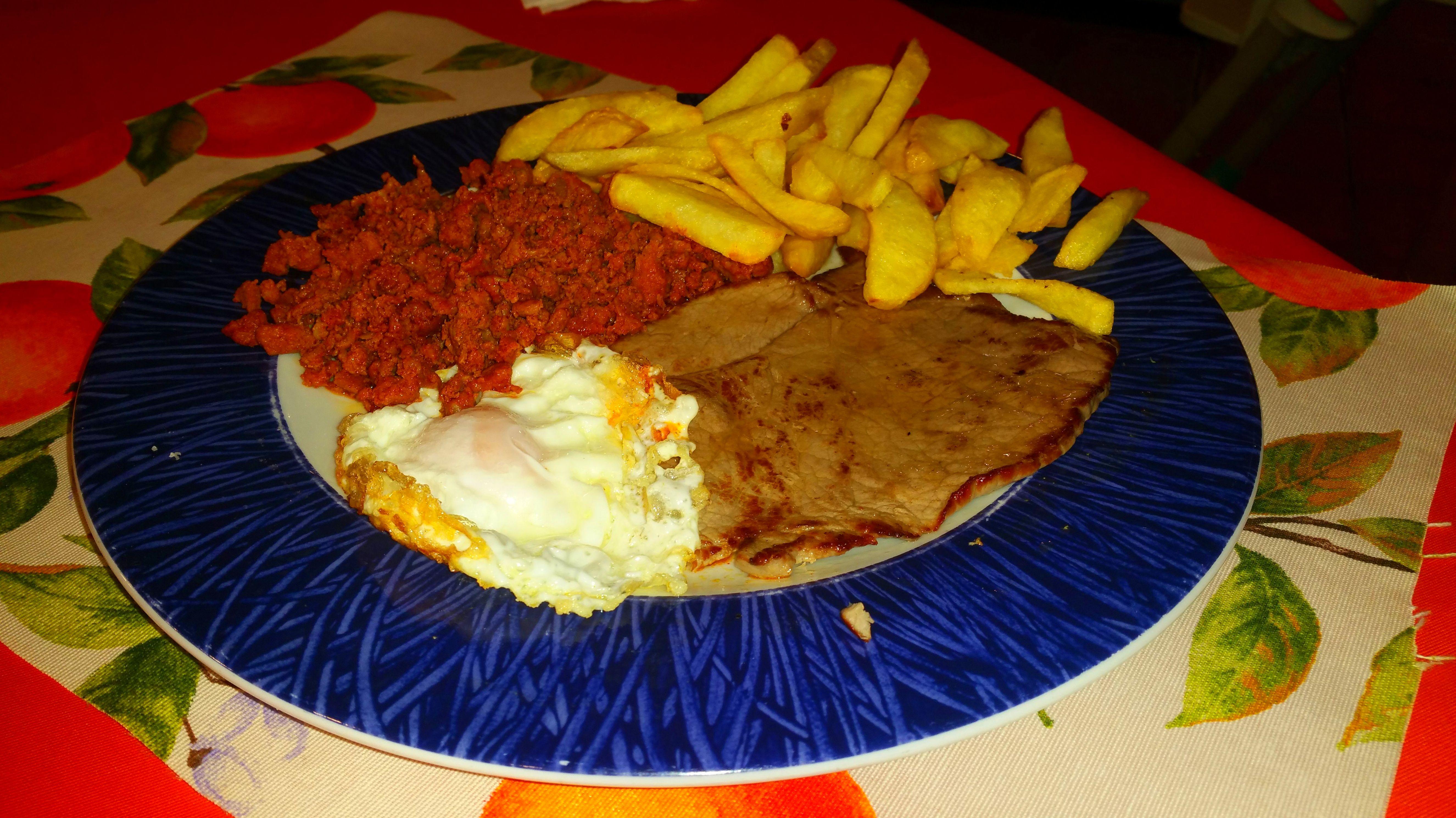 Filete + Huevo  + picadillo