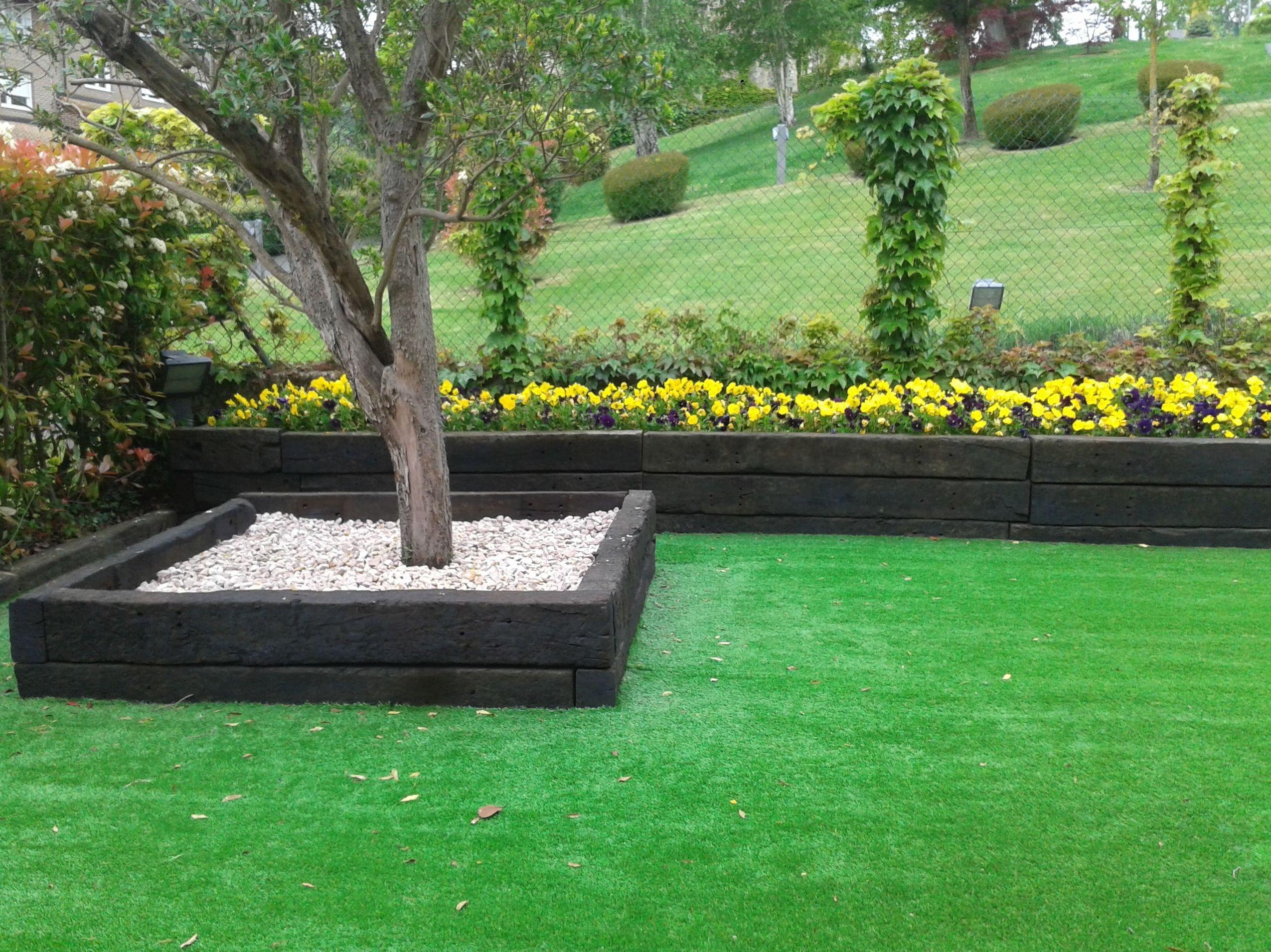 Decoraci n de jardines en navarra y emplazamientos en - Bordillos para jardines ...
