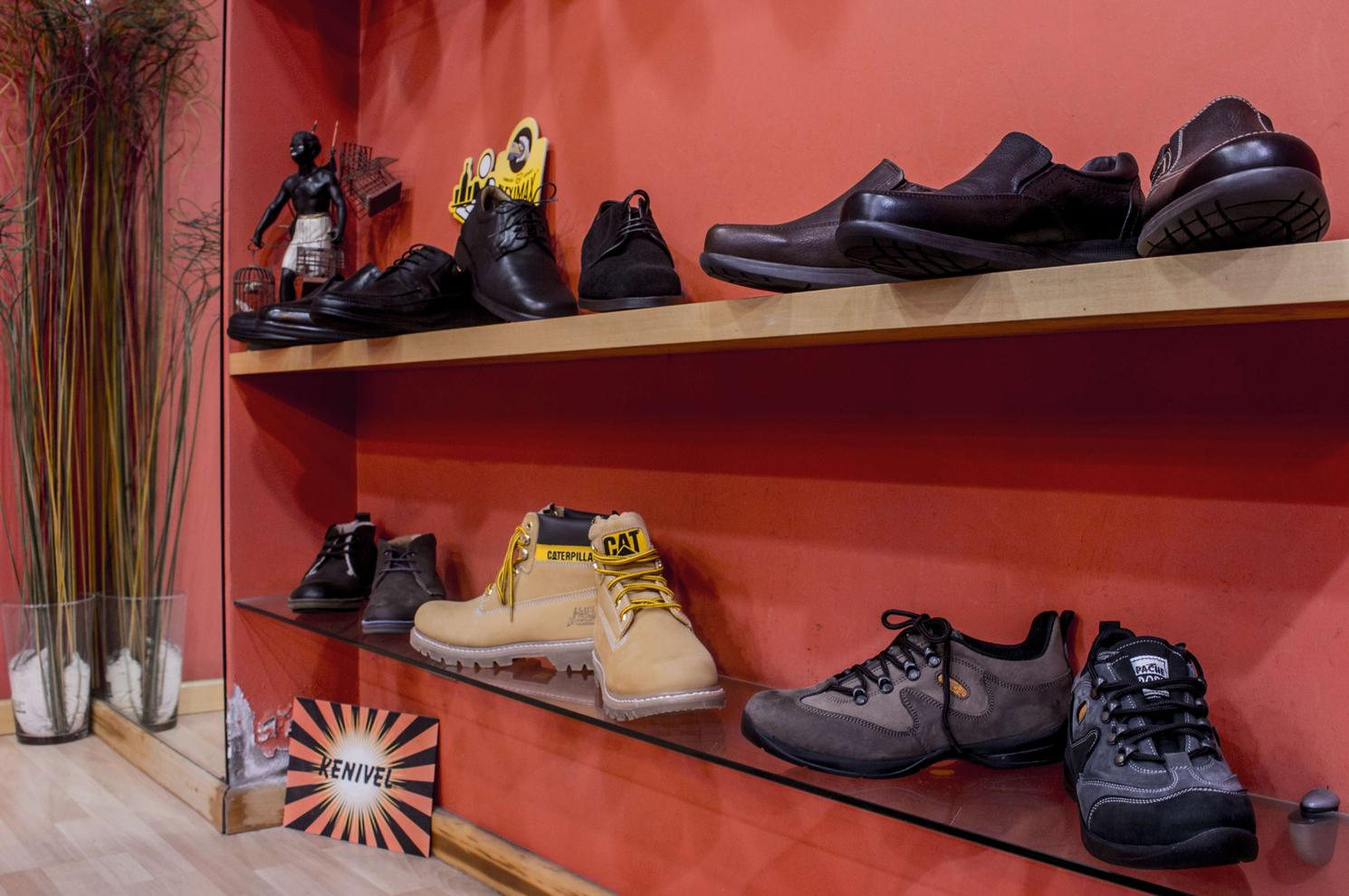 Zapatos para caballero en Arteixo