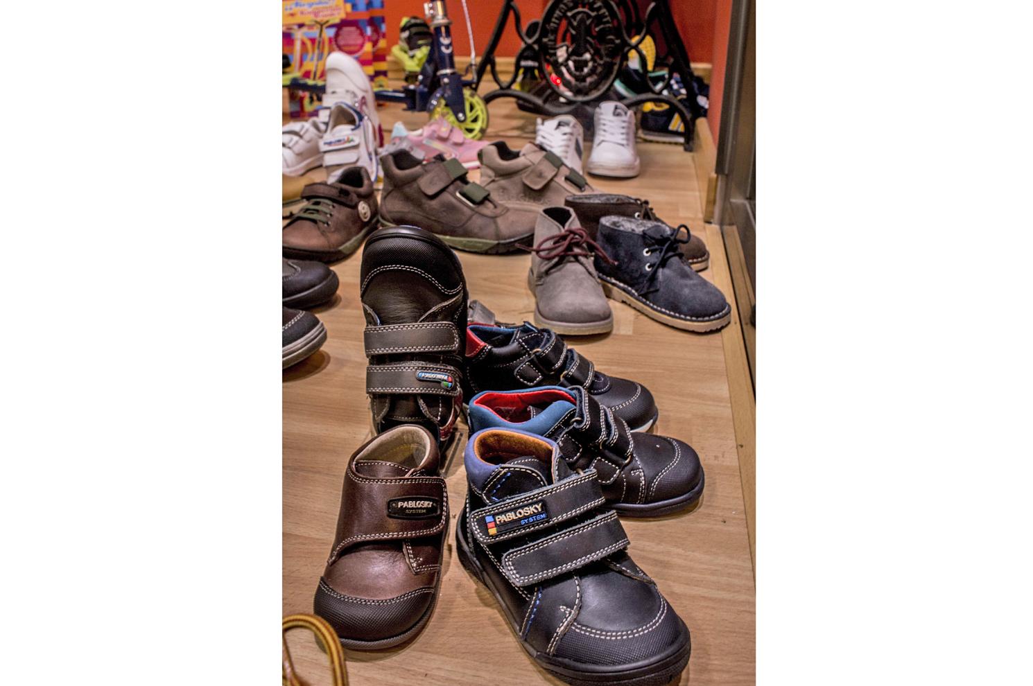 Zapatos para niños en Arteixo
