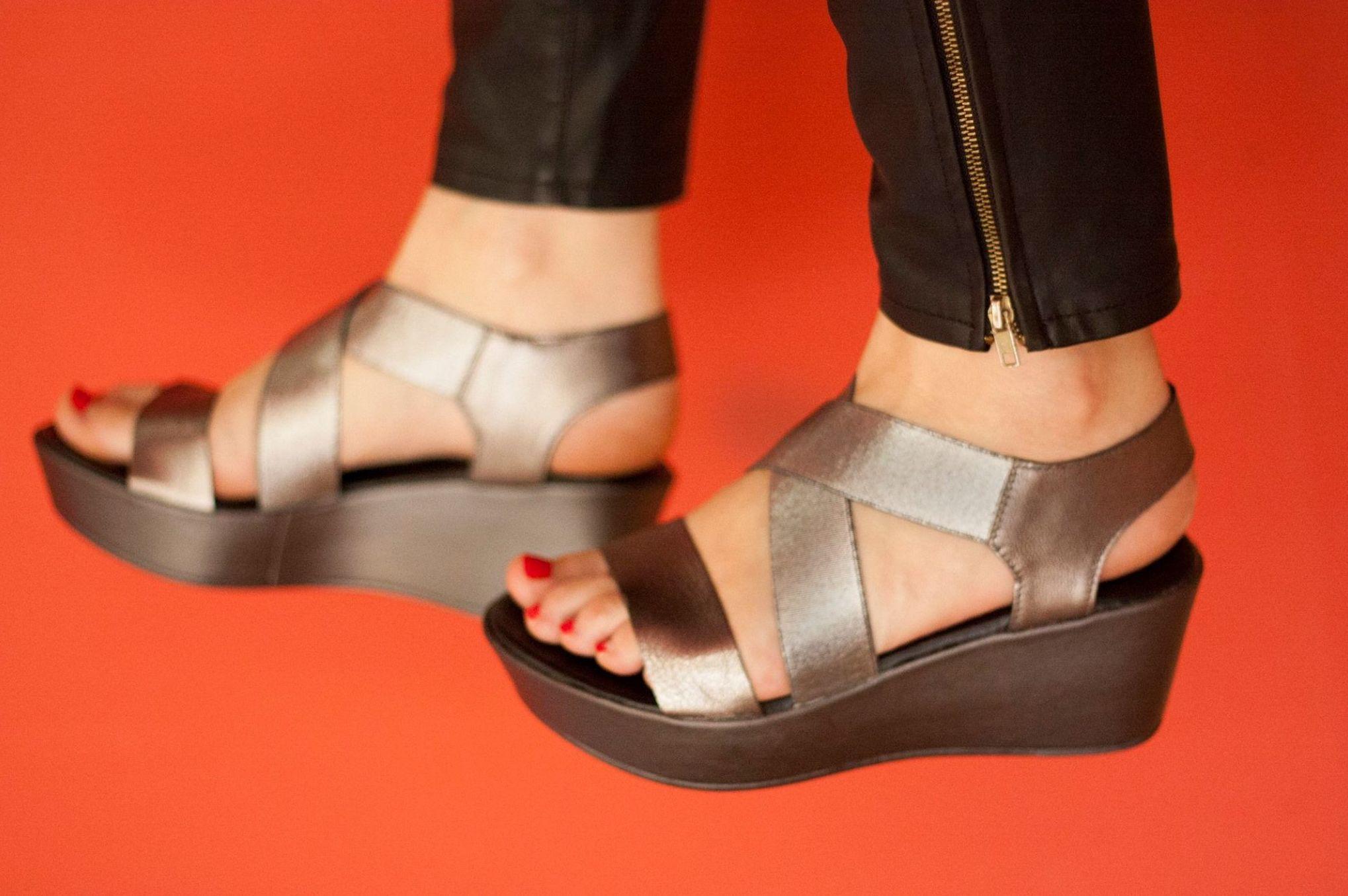 Sandalias abiertas de señoras para verano en Arteixo