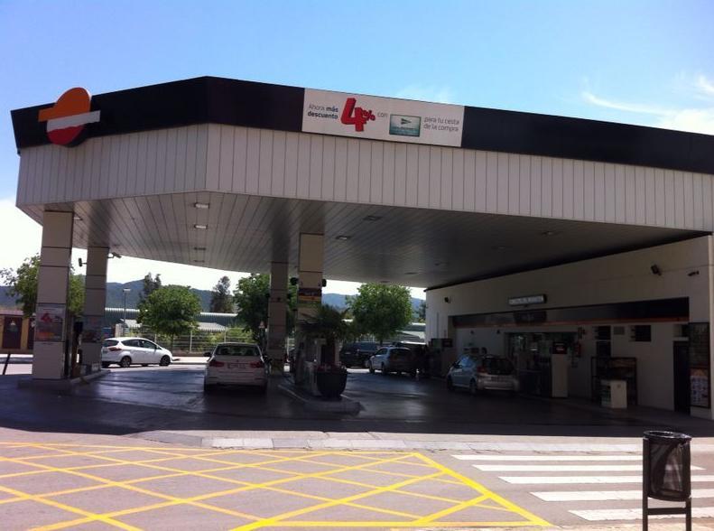 Servei Estació Sant Jordi. Estación de servicio en Mollet del Vallès