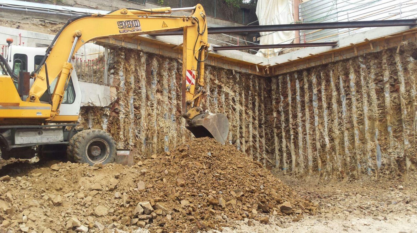 Movimientos de tierra, excavaciones y derribos