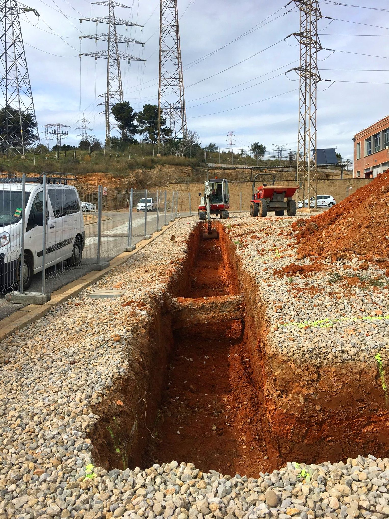 Foto 1 de Excavaciones en Sant Andreu de la Barca | Excavaciones Novoa