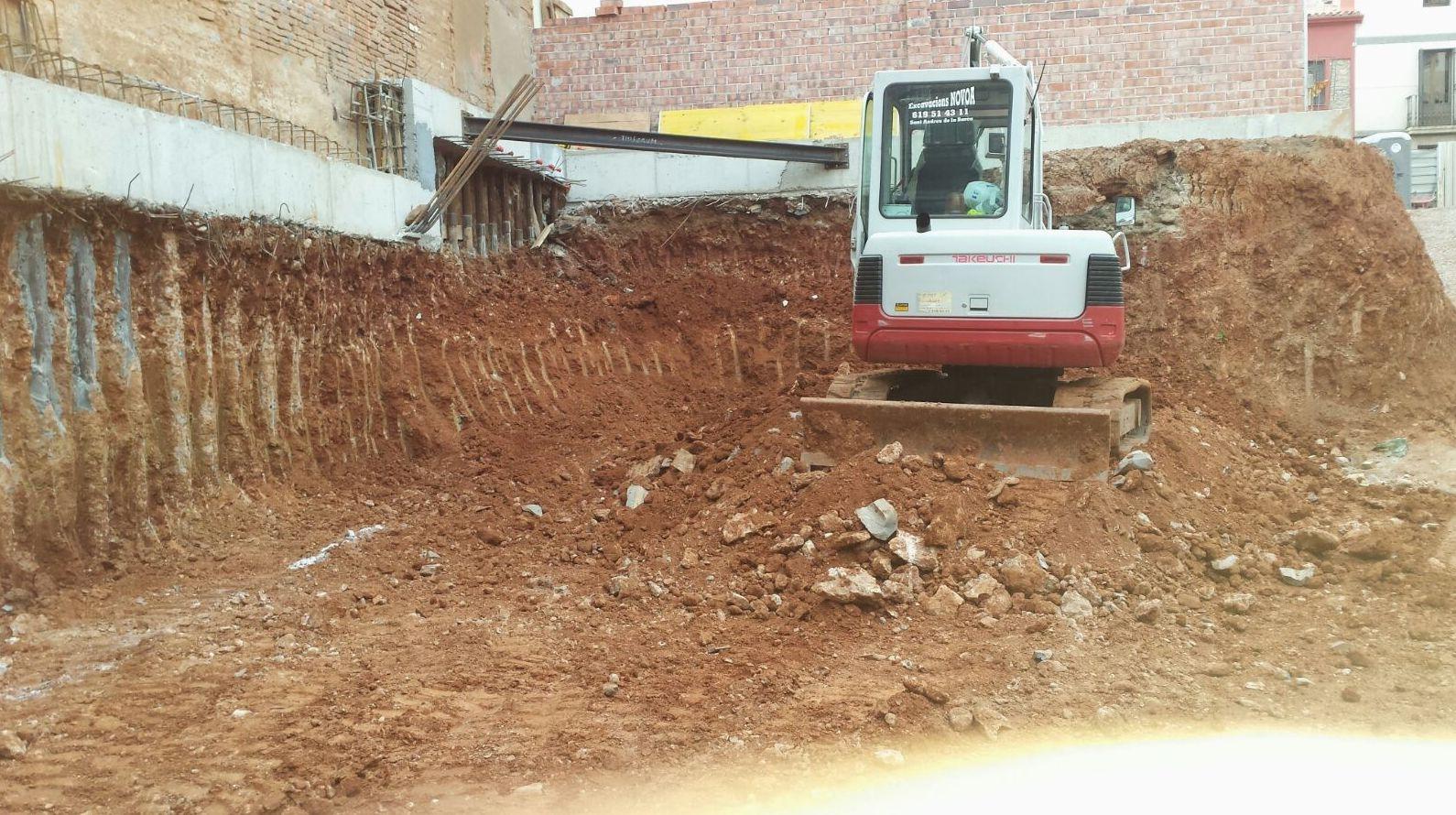 Más de 40 años de experiencia. Excavaciones Novoa