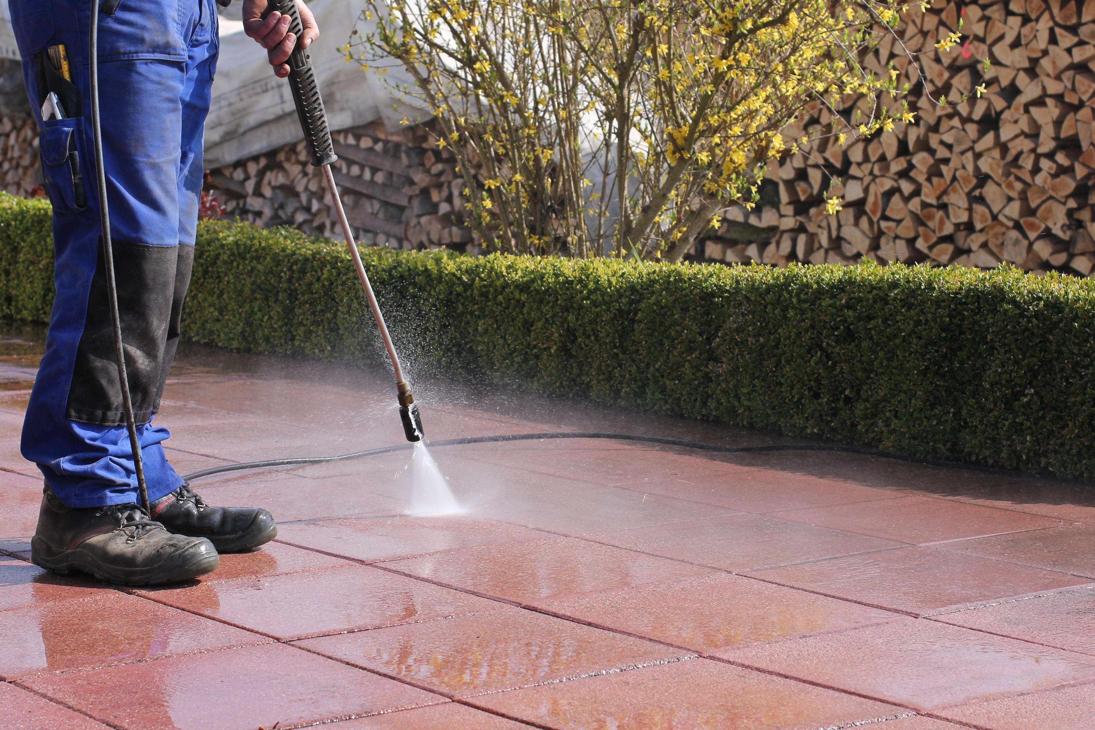 Limpieza de pavimentos exteriores
