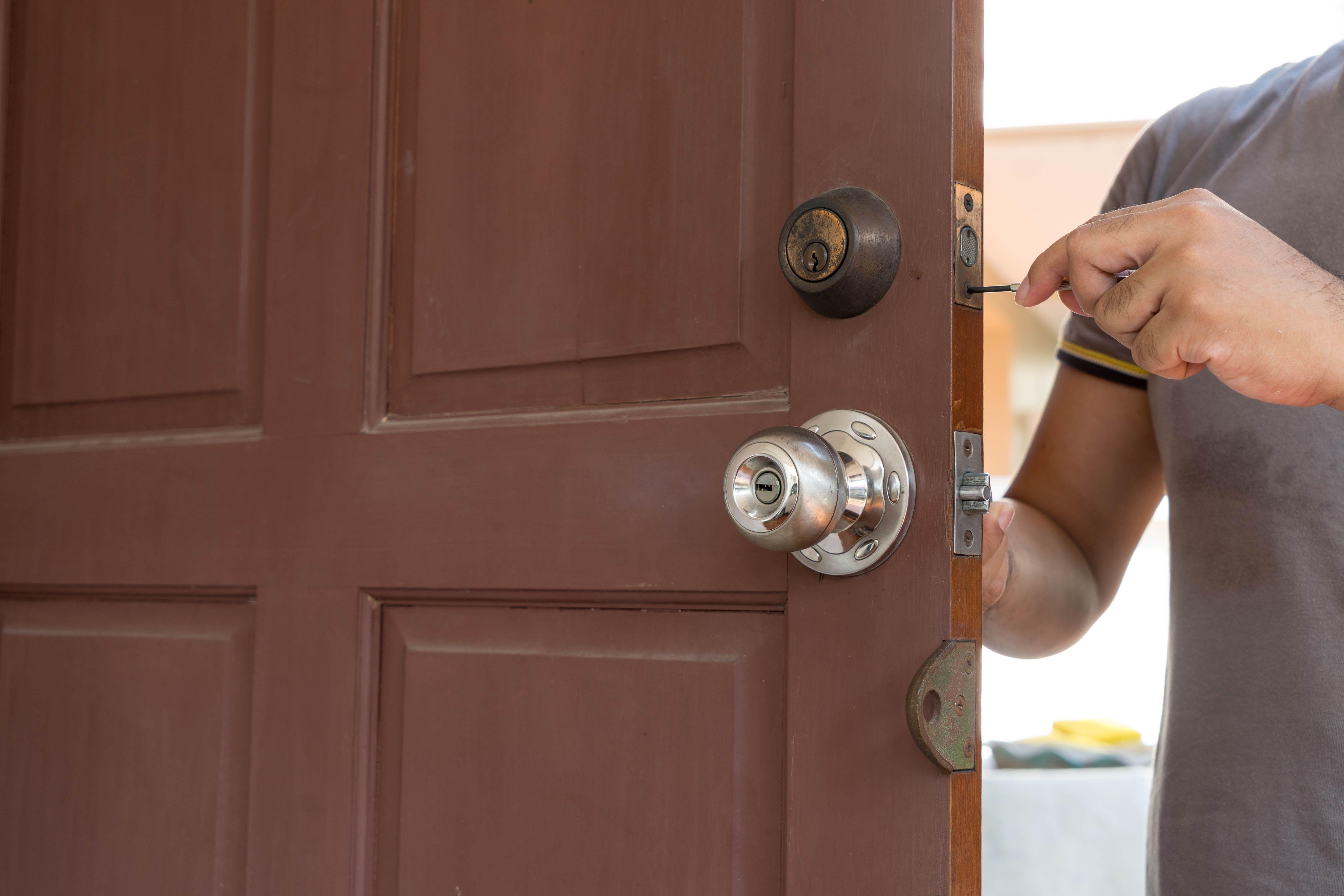 Instalación de cerraduras: Servicios de Cerrajería José Luis
