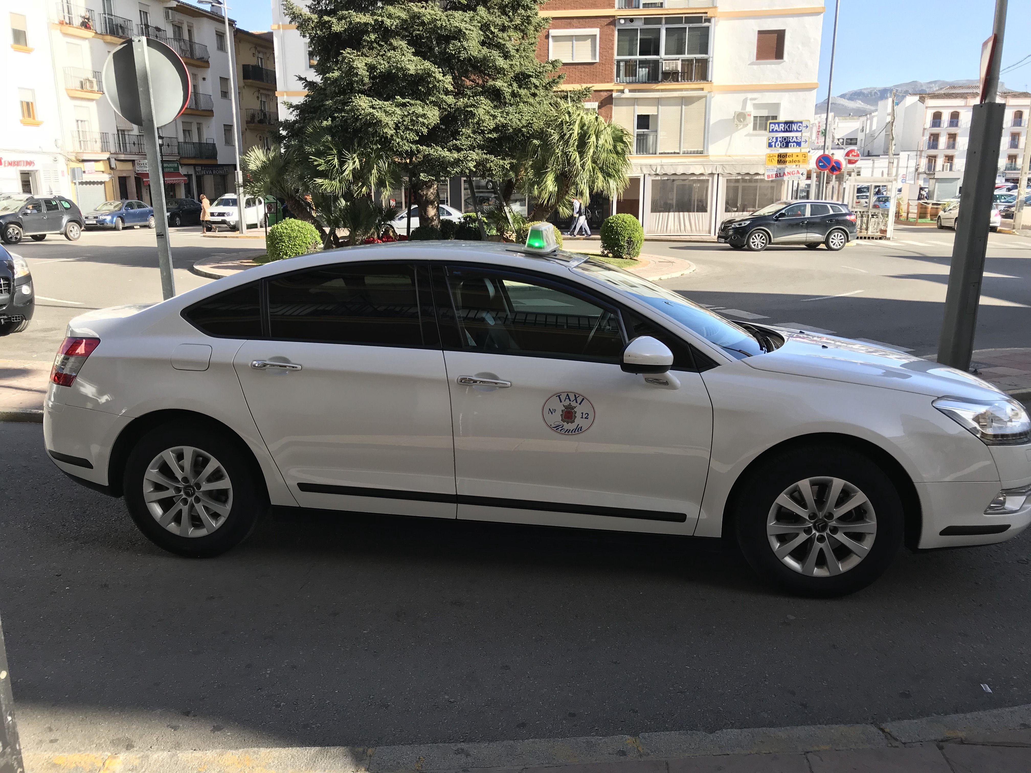 Taxi de largo recorrido en Ronda