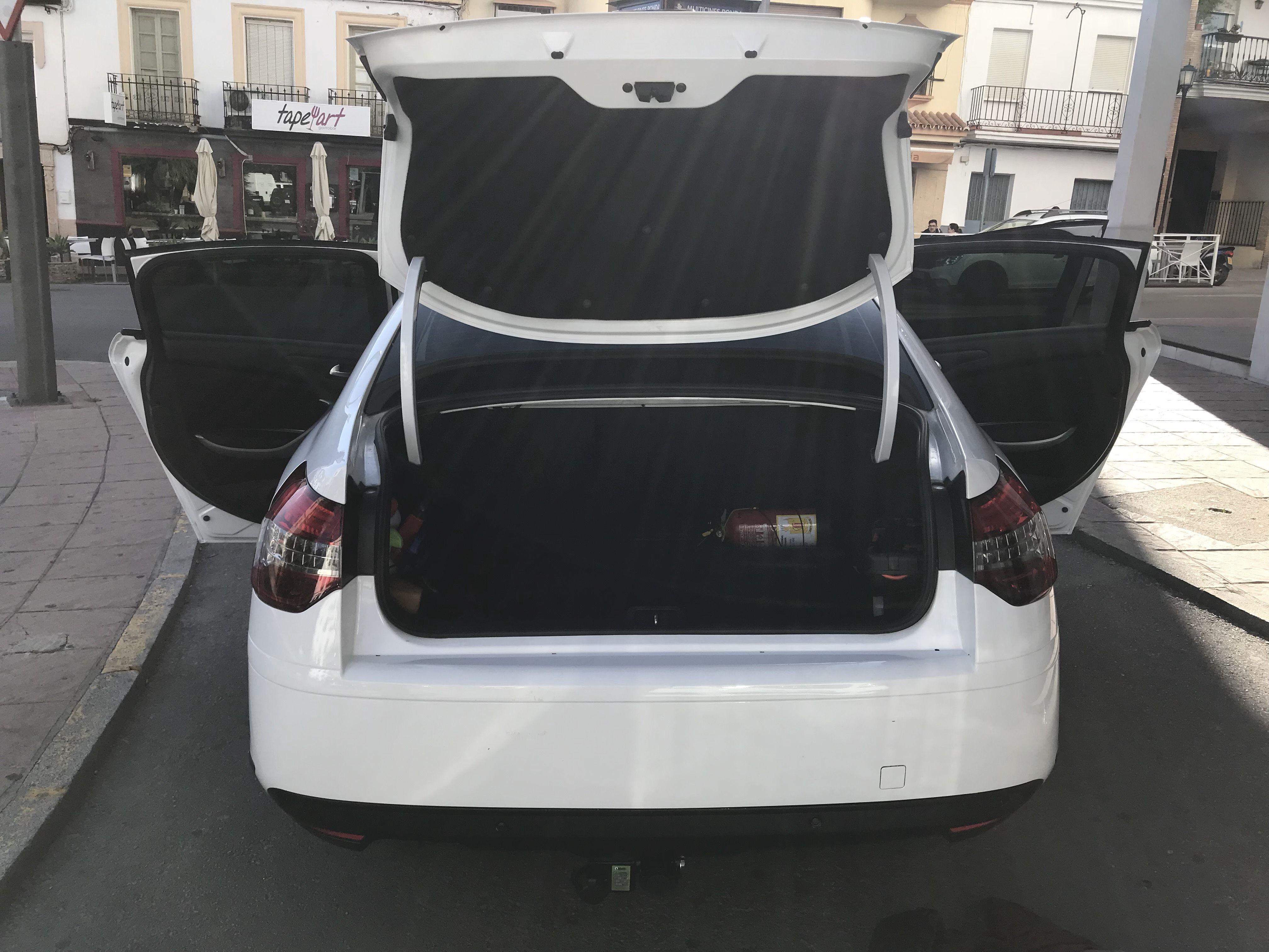 Taxi para largo recorrido con amplio maletero en Ronda