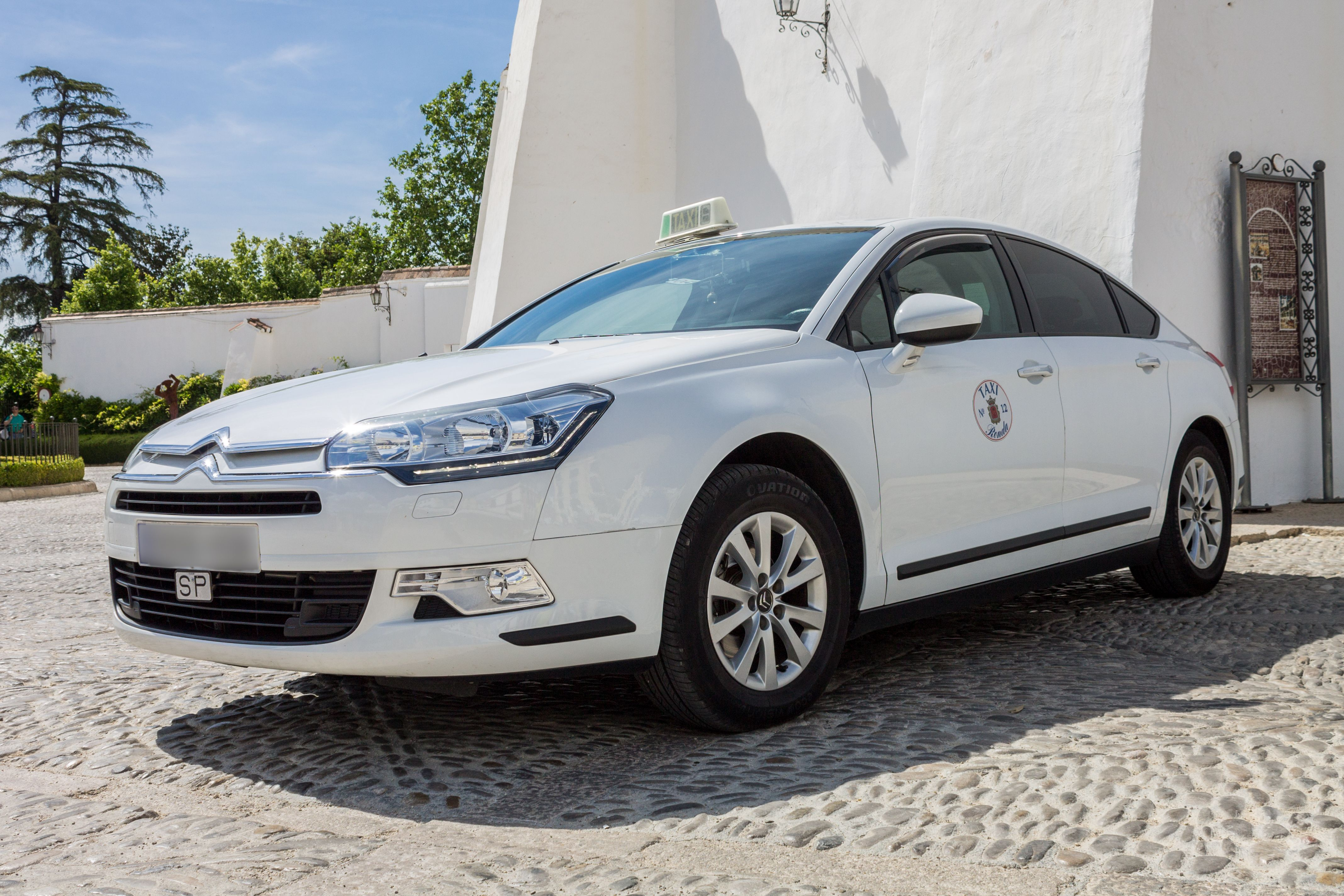 Taxi largo recorrido en Ronda