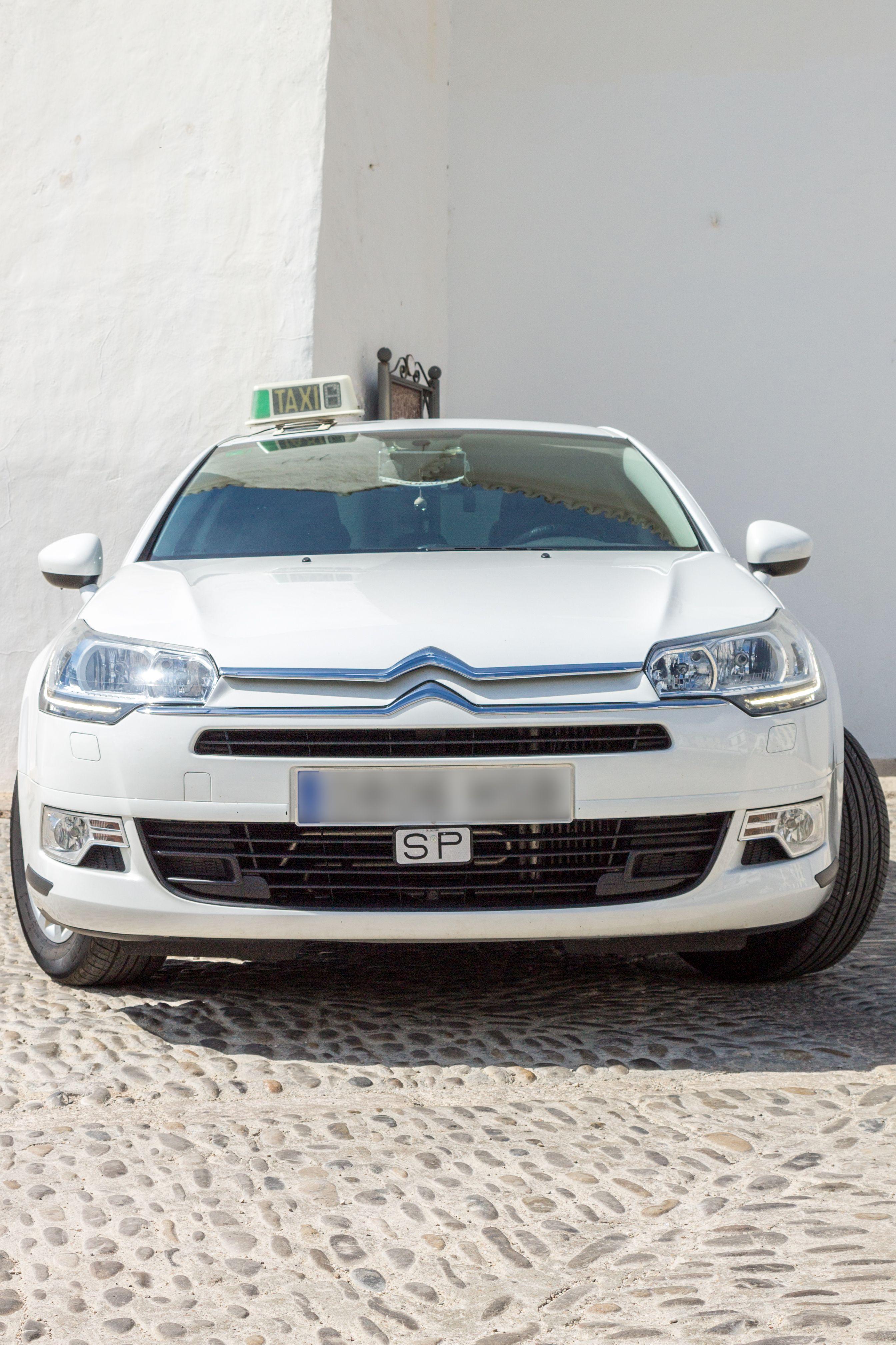 Taxista con amplio conocimiento de la zona en Ronda