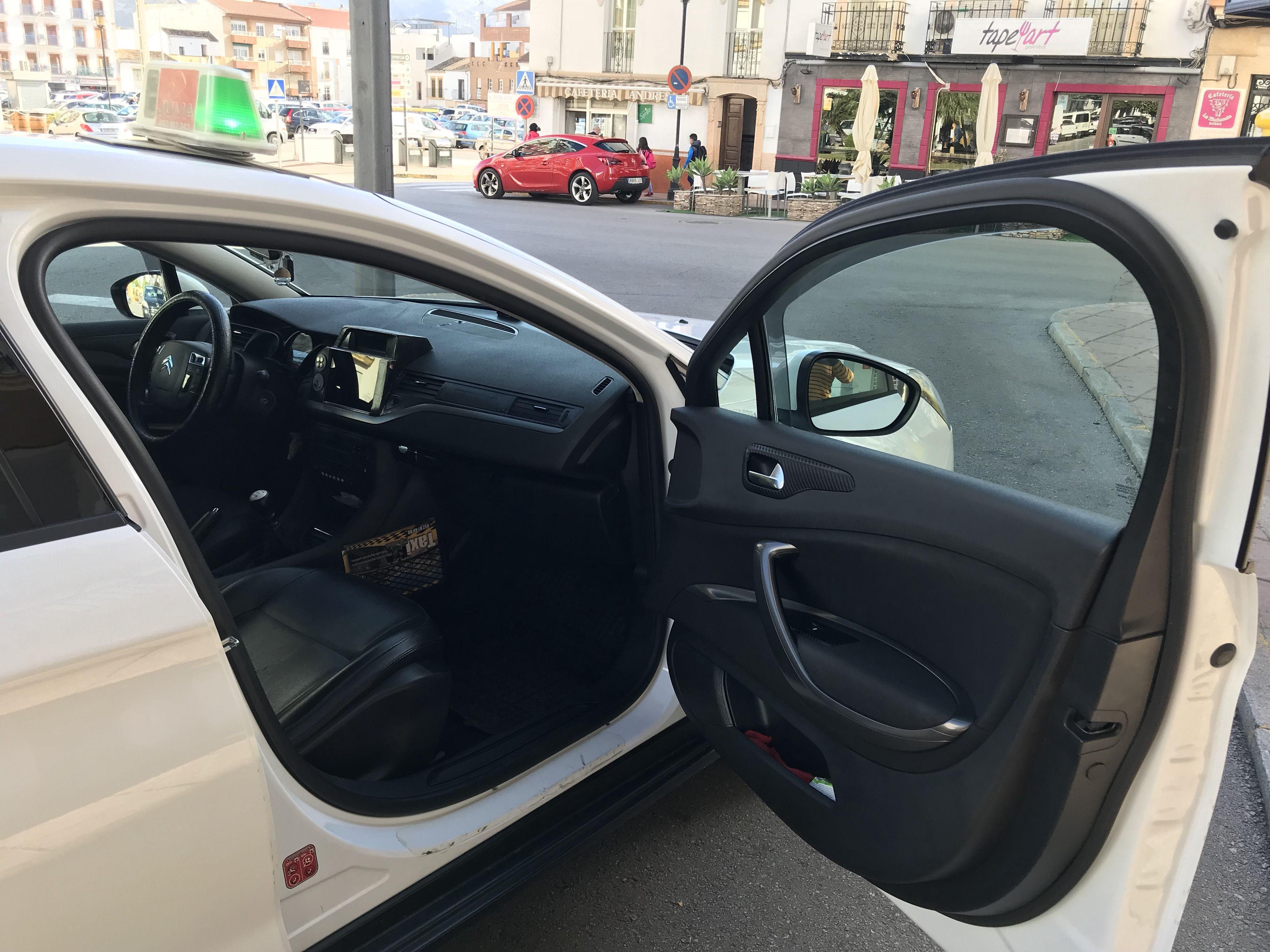 Servicio de taxis en Ronda