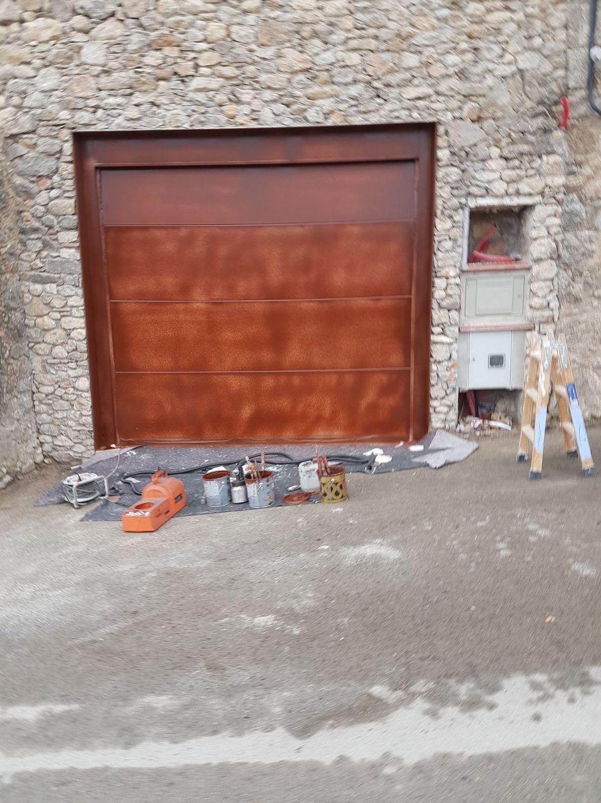 Pintura puerta de Garaje. Integral Poliuretà
