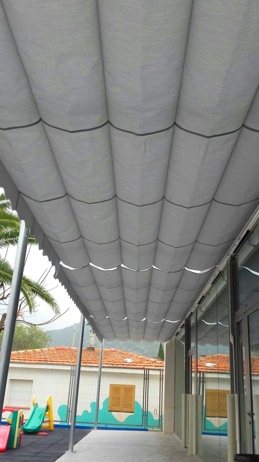 Montaje de estructura para toldo en guarderia