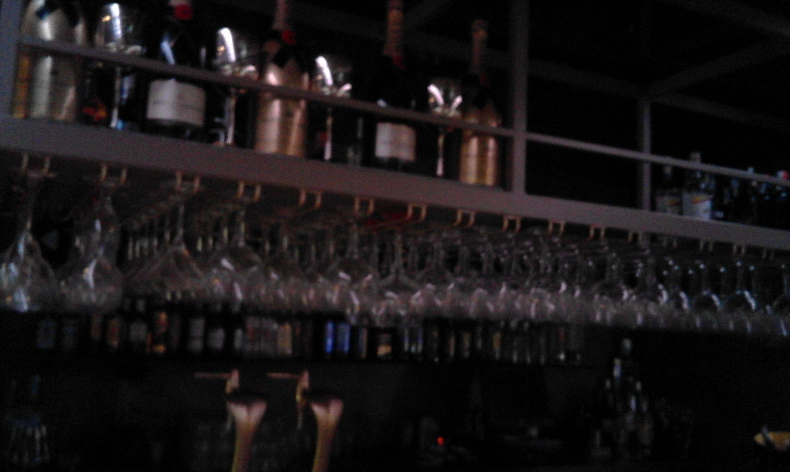 Botellero en sala Condado (Denia)