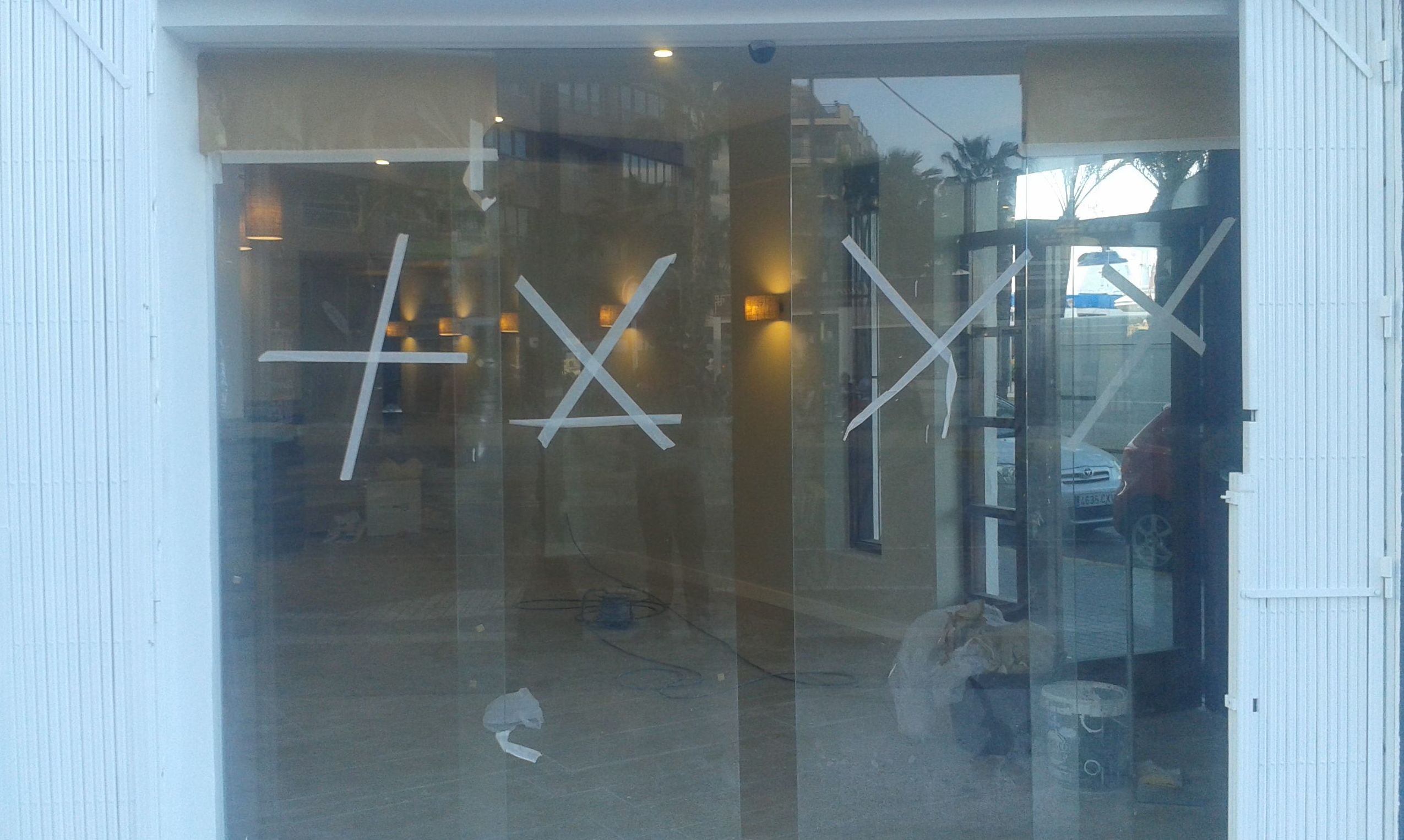 Puerta de cristal Rte Gavila