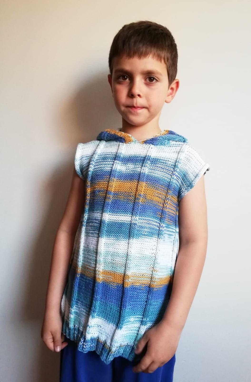 Jersey para niño realizado en nuestro taller de punto y ganchillo
