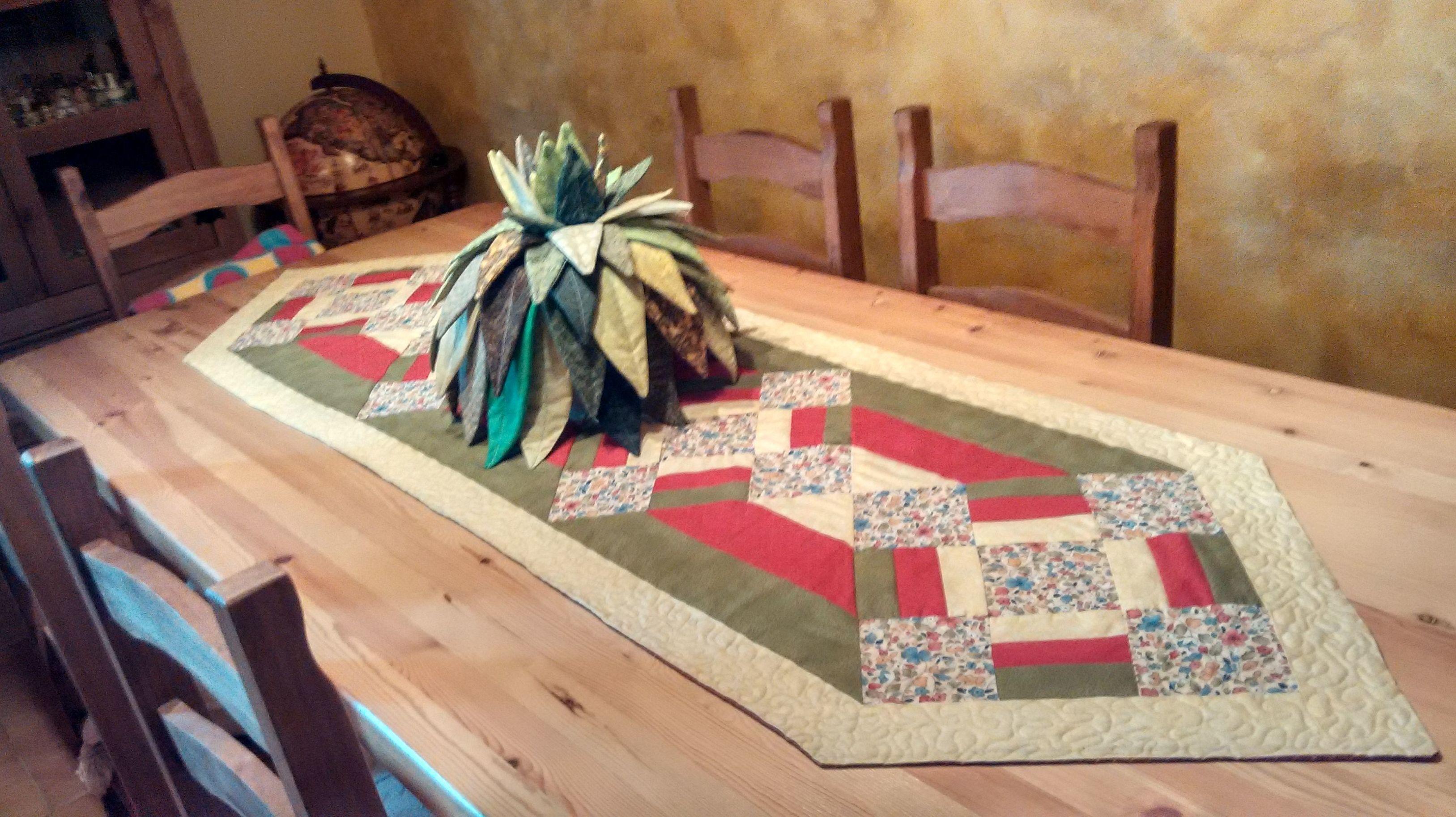 Cactus con camino de mesa