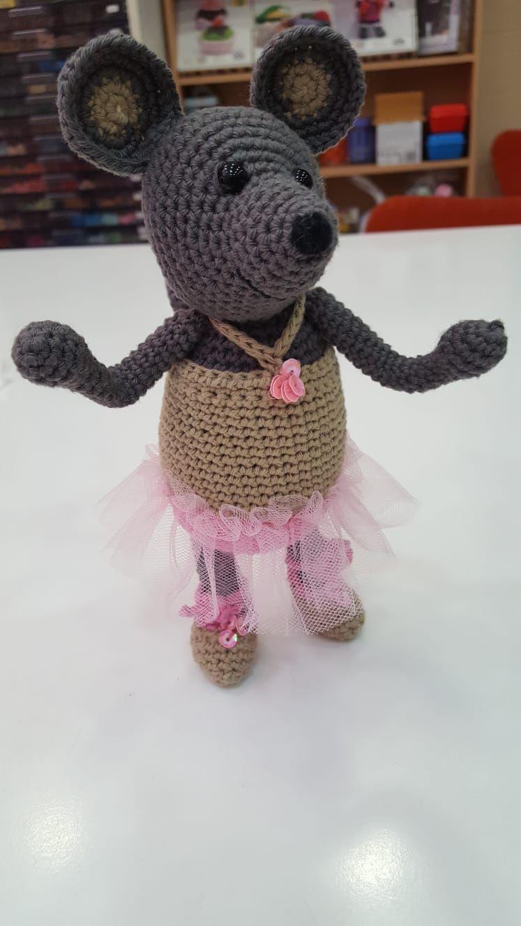 Amigurumi con faldita de tul