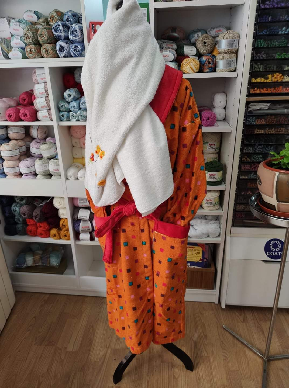 Albornoces , toallas, paños de cocina,bolsas de pan etc,la nueva colección de textiles para el hogar te esperan en Mercería Inma!.