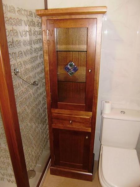 Armario a medida para cuarto de baño