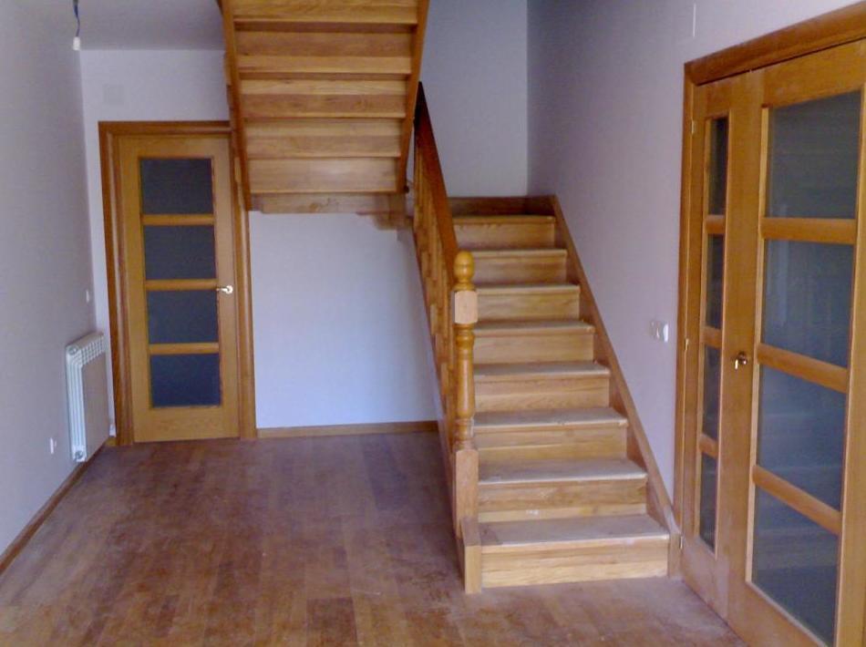 Escaleras de madera para vivienda