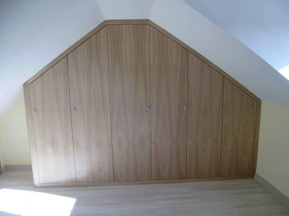 Armarios de madera aprovechando cualquier espacio