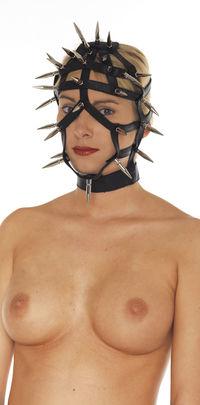 Máscara abierta con pinchos cuero negro