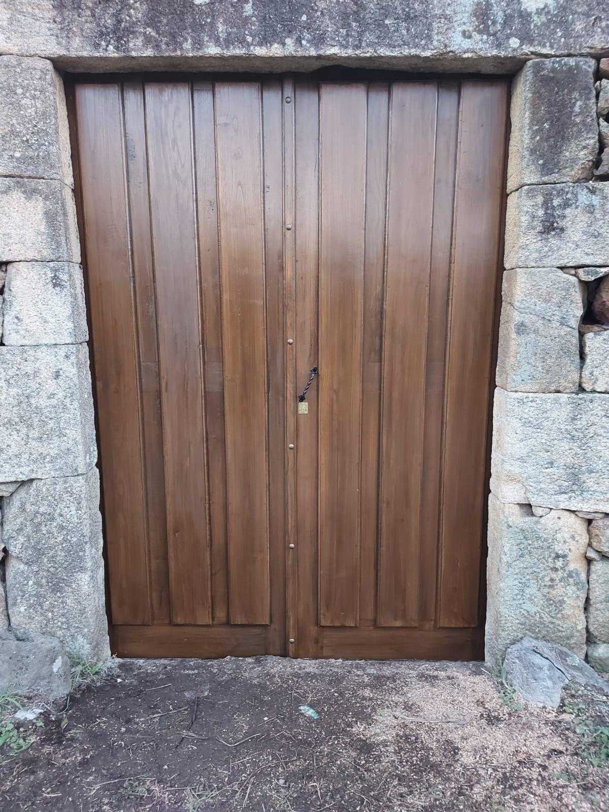 Interior, exterior portal rústico