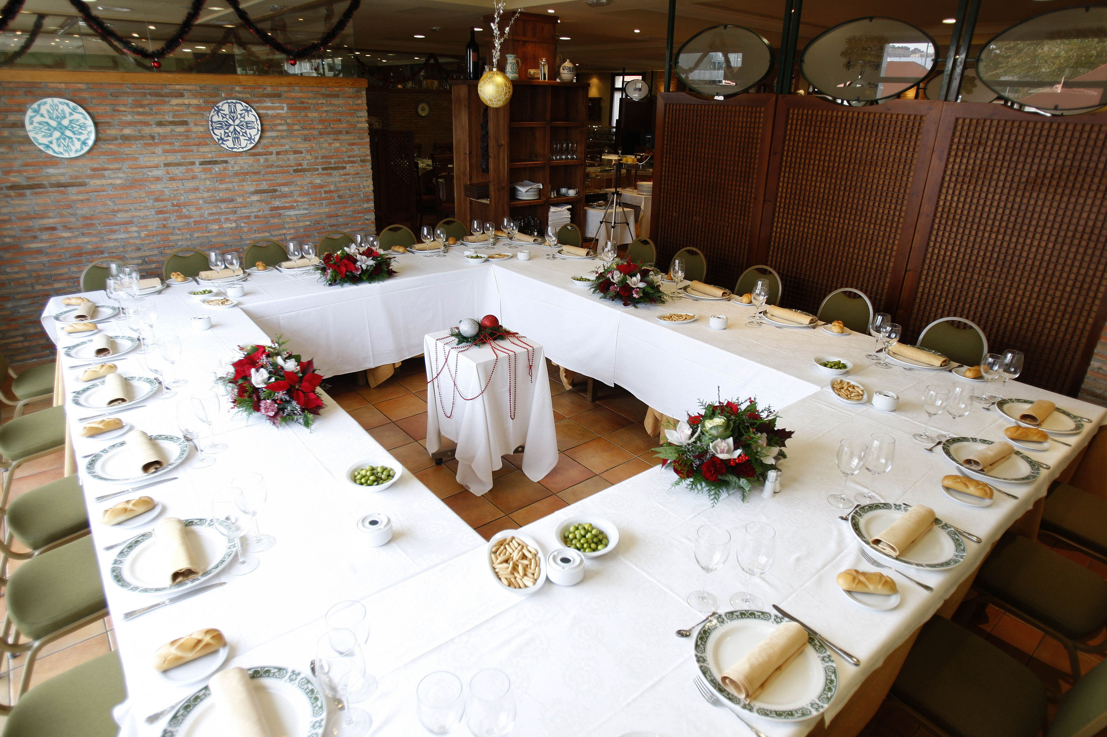 Menús Celebraciones 2018 - 2019: Nuestra Carta de Restaurante El Roble Hotel AB Arganda