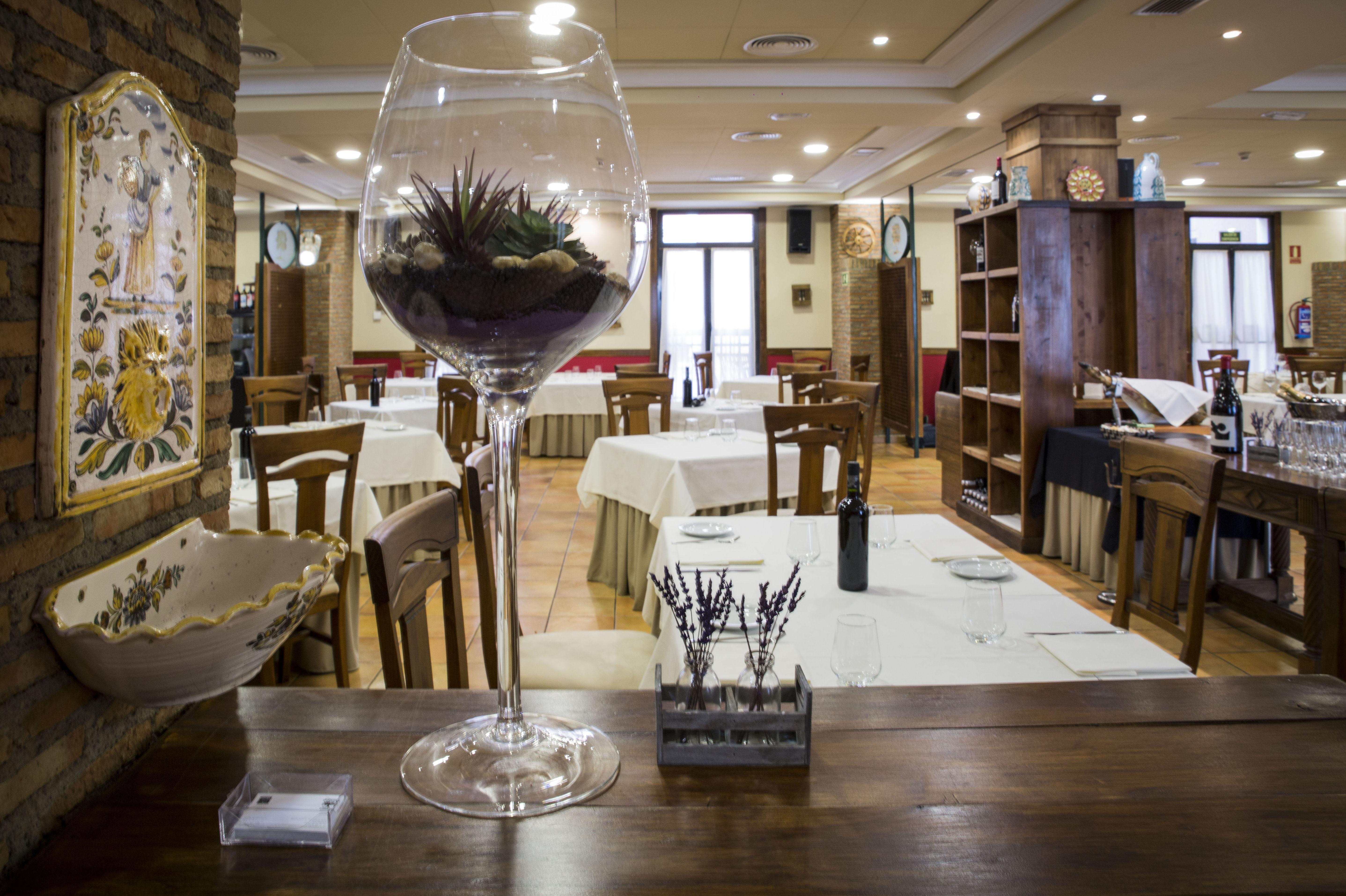 Foto 27 de Asadores en Arganda del Rey | Restaurante El Roble Hotel AB Arganda