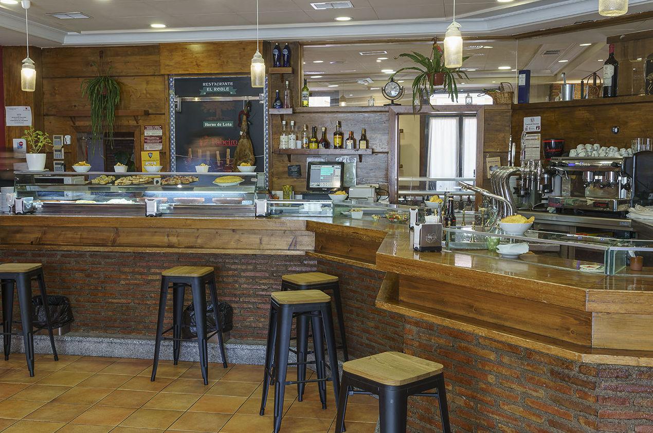 Foto 10 de Asadores en Arganda del Rey | Restaurante El Roble Hotel AB Arganda