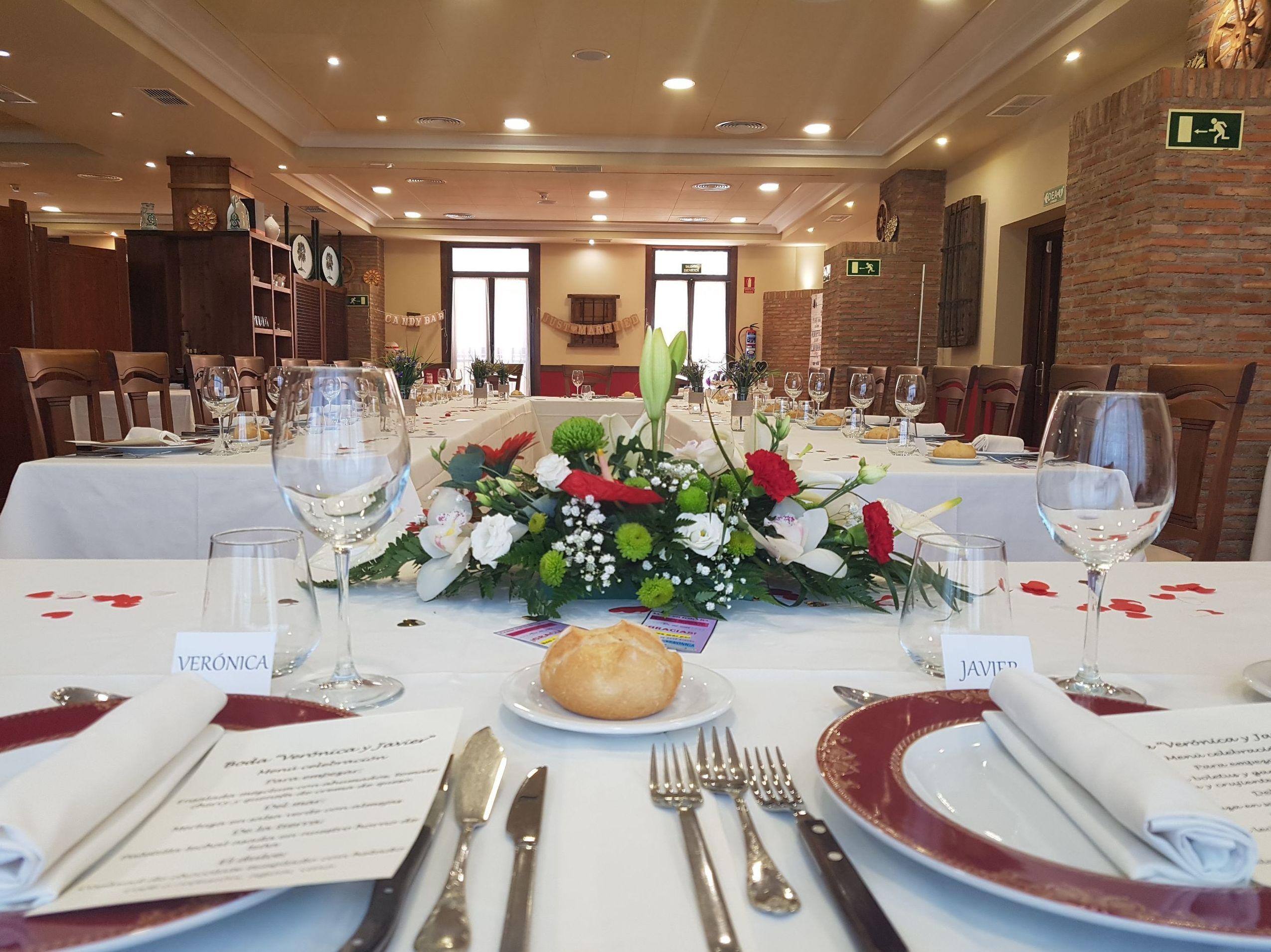 Foto 35 de Asadores en Arganda del Rey | Restaurante El Roble Hotel AB Arganda