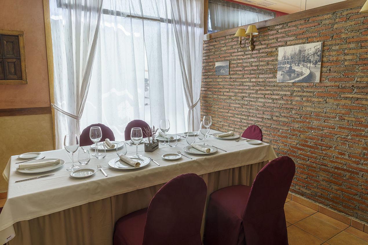 Foto 9 de Asadores en Arganda del Rey | Restaurante El Roble Hotel AB Arganda