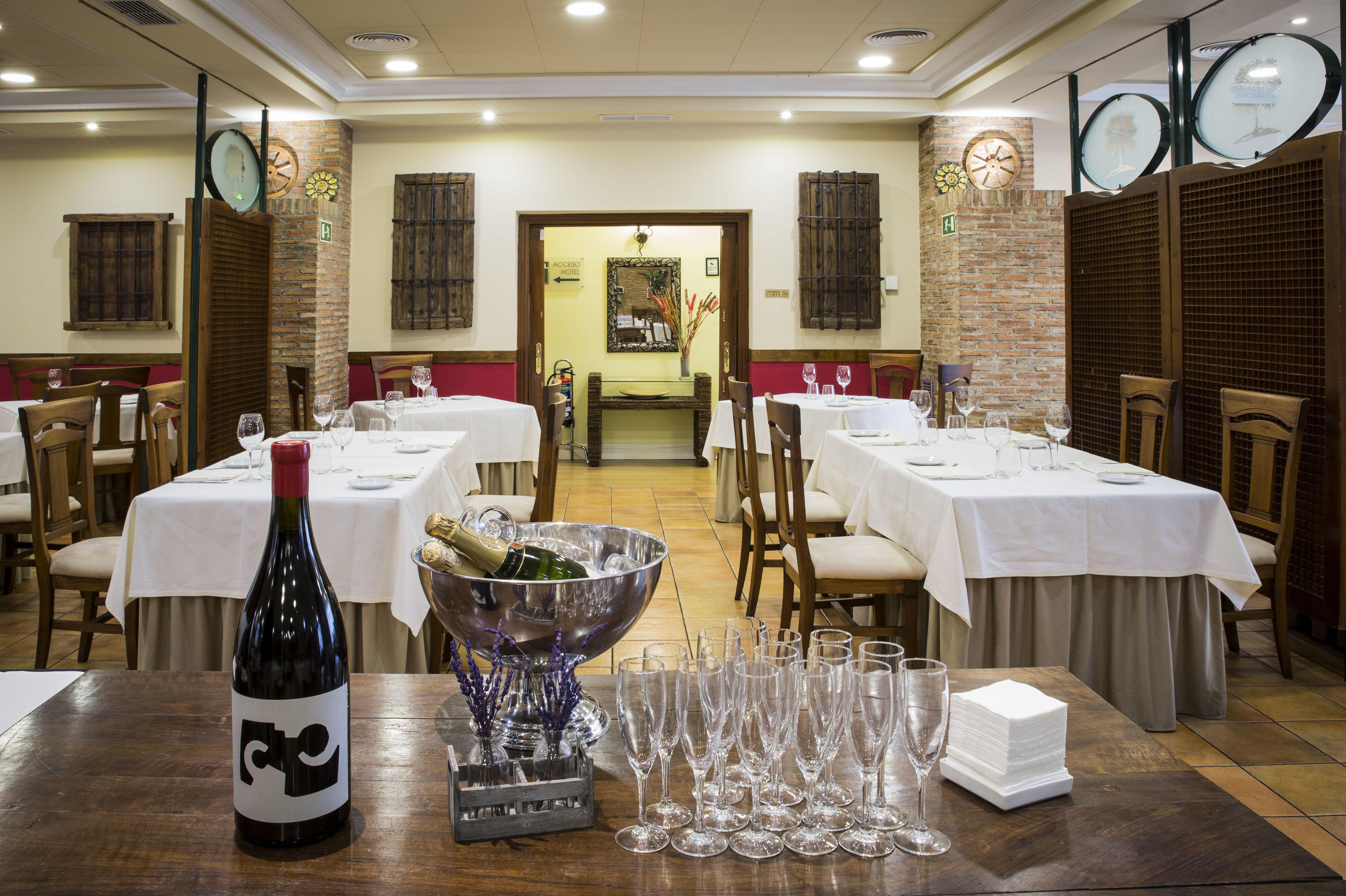 Foto 33 de Asadores en Arganda del Rey | Restaurante El Roble Hotel AB Arganda