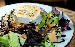 Ensalada con queso de cabra gratinado: Carta de Cuina Cal Nano