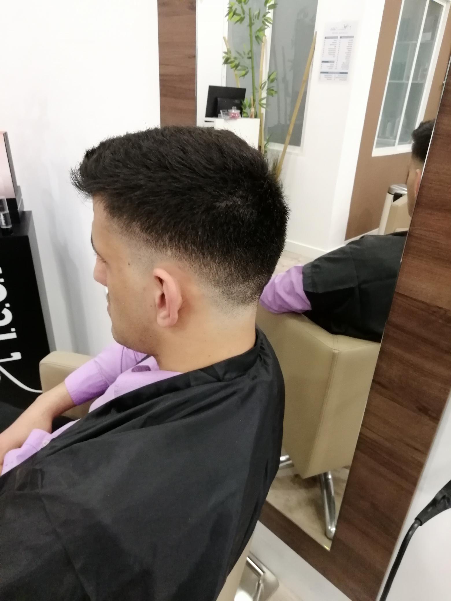Barbería y peluquería para caballero en Chamberí