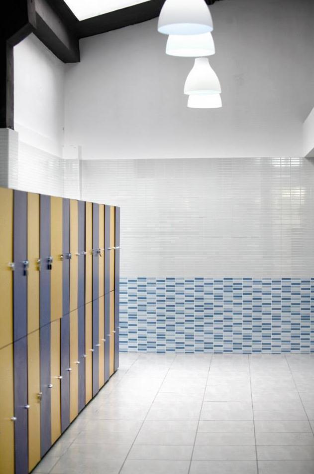 Gimnasio con modernas instalaciones